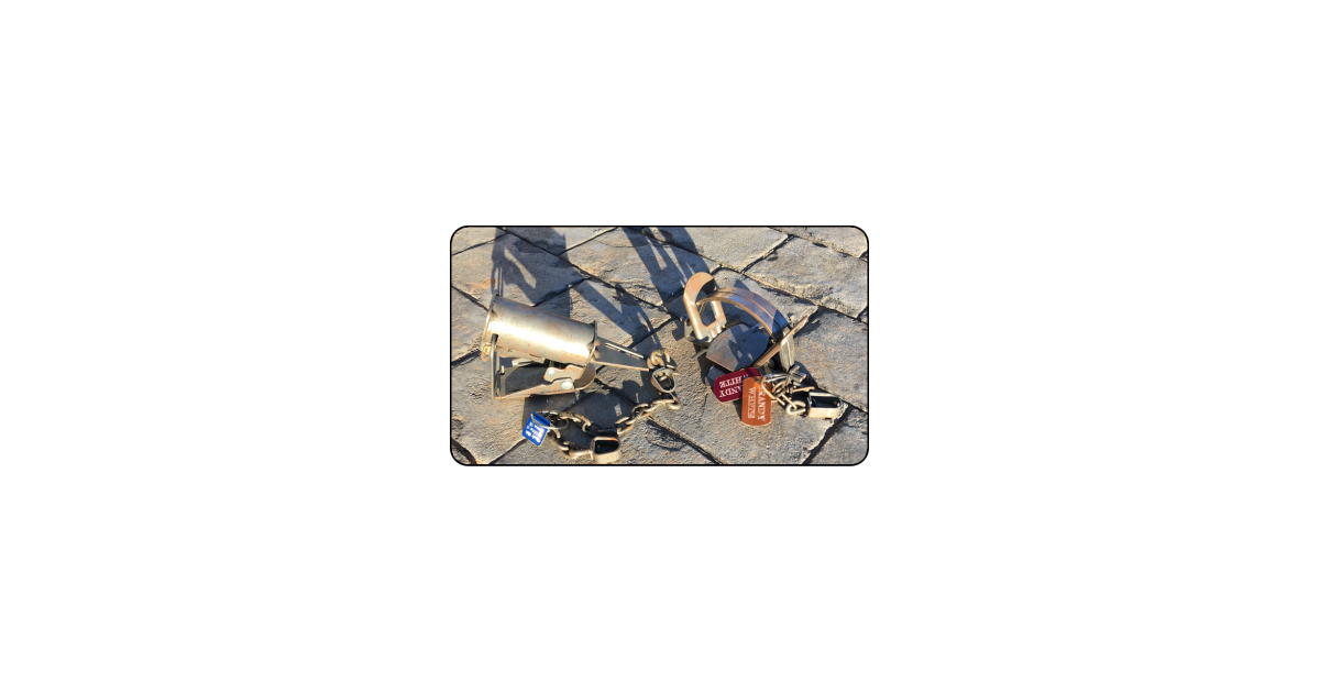 Gold Hunting Equipment Tag